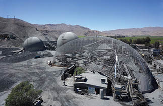 CAPTION: Geometrica designed a unique heart-shaped dome for the crushing facilities at the Coemin facility in northern Chile.