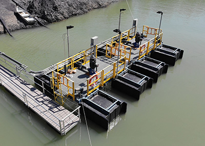Multiflo PE pontoon barges